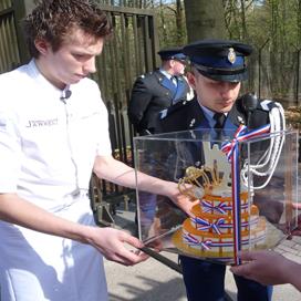 Koninklijke verjaardagstaart voor Willem-Alexander