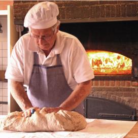 Griezelbroodjes bakken in het Kempisch Bakkerijmuseum