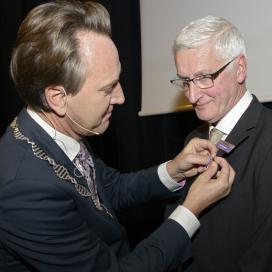 Koninklijke onderscheiding voor Piet Feenstra