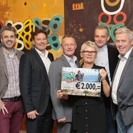 Tour de Bakker: 2000 euro bij elkaar gefietst