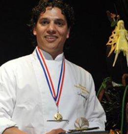 Carlo Midiri geeft masterclass in finale 'CupCakeCup