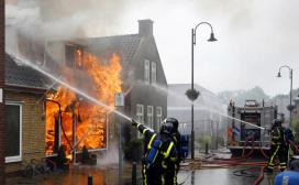 Grote brand verwoest bakkerij in Heerjansdam