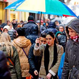 Consument sombert, omzet detailhandel stijgt