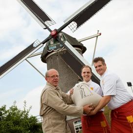 Limburgse bakkers en molenaar werken samen