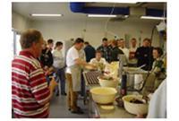 Noordkopbakker bekijken nieuwe bakkerij Stevers