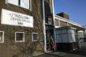 Naambordje 'Bussink Deventer Koek' weg