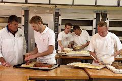 Boulangerie Team start training EK