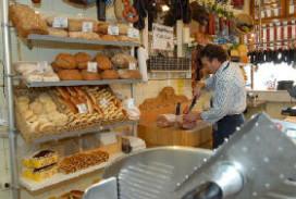 Slager Royal start broodverkoop in Maastricht