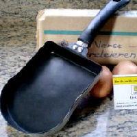 Koekenpan in de vorm van een boterham