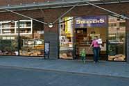 Bakkerij Steevens stoot winkels af