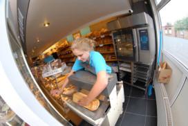 Bakkerij stuwt omzet cafetaria