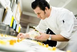 Patissier Johnny Iuzzini maakt cupcake naar parfum