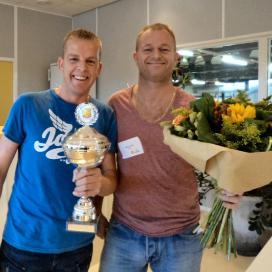 Echte Bakker Mol uit Schoorl maakt beste amandelstaaf
