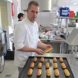 Leon van Dongen wint strijd om Lekkerste Brabantse Worstenbroodje