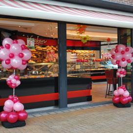 Voncken toont trots vernieuwde winkel in Nuth