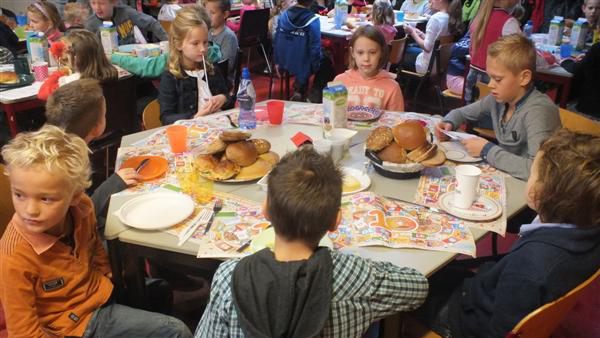 Vijftiende Schoolontbijt opent onder Nachtwacht