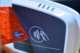 Consumentenbond: Contactloos betalen levert toch risico op