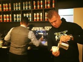 Barista lunchroom Coffeelicious zevende op NK Latte Art