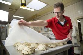 Stap voor stap: Paasbrood van Bakkerij Pots