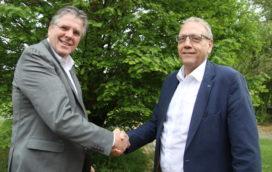 Gouden Beko Speld voor scheidend voorzitter Kees Verkerk