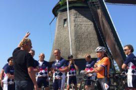 Bakkers fietsen met Van Moorsel door Noord-Holland