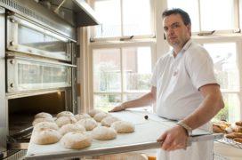 Dumoulin eet brood Bisschopsmolen tijdens de Tour