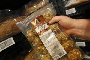 Onder fancy label Les Patrons wordt onder meer breekbrood aangeboden.