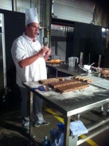Marco van Scheijndel van Puratos laat zien hoe de bakker zelf een gezonde candybar kan maken.