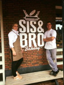 Ten Brinke: 'Nu weet ik hoe speculaaskruiden worden gemaakt' Foto: Sis&Bro