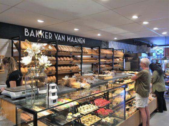 Bakkerij Van Maanen, vestiging Heemstede (2 foto's).
