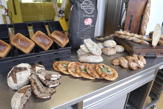 De eerste dag van de training stond voornamelijk brood (desembrood) op het programma. Francois Brandt begeleide deze training,