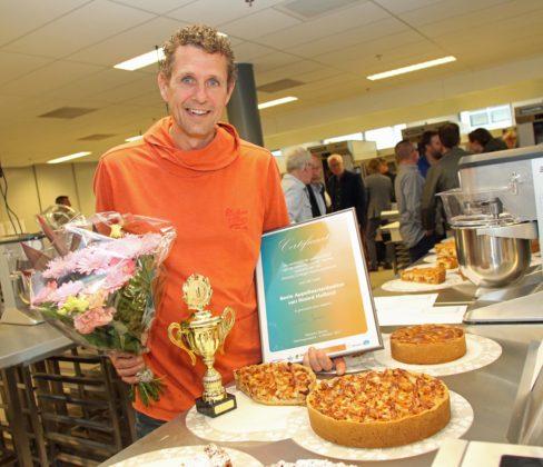 Bakkerij Jonker uit Broek op Langedijk wint de prijs voor de beste appeltaart.