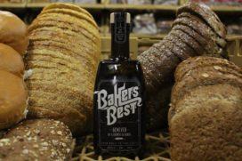 De Stokers maken jenever van retourbrood
